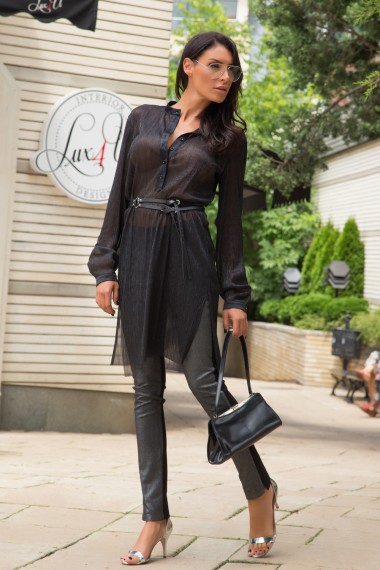 FINELY PLEATED GLOSSY BLACK TUNIC