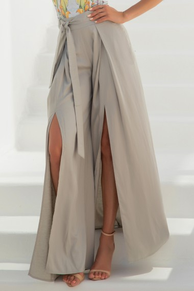 LINEN PANTS WITH SLITS