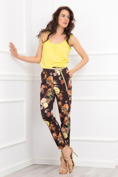 CLASSIC CUT FLORAL-PRINTED PANTS