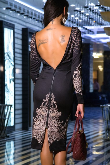 GORGEOUS PRINTED DRESS WITH AN OPEN BACK
