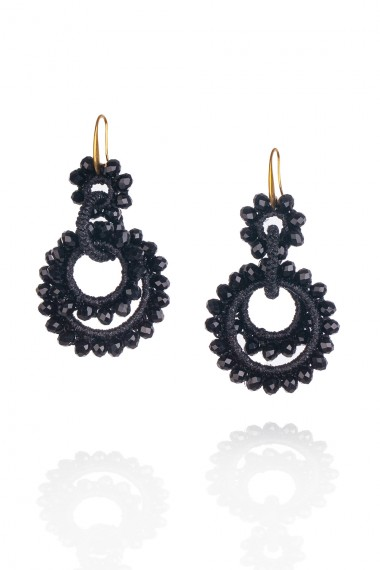 MACRAME AND CRYSTALS EARRINGS IN BLACK